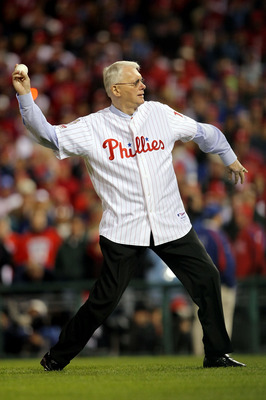 PHILADELPHIA - OCTOBER 27:  Former Philadelphia Phillies pitcher and U.S. Senator Jim Bunning (R-KY) throws out the ceremonial first pitch prior to game five of the 2008 MLB World Series between the Philadelphia Phillies and the Tampa Bay Rays on October