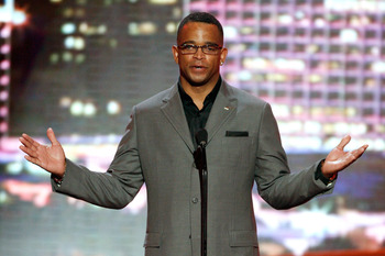 LOS ANGELES, CA - JULY 15:  Stuart Scott of ESPN speaks onstage during the 2009 ESPY Awards held at Nokia Theatre LA Live on July 15, 2009 in Los Angeles, California. The 17th annual ESPYs will air on Sunday, July 19 at 9PM ET on ESPN.  (Photo by Kevin Wi