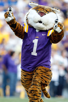 BATON ROUGE, LA - OCTOBER 16:  Mascot Mike the Tiger of the Louisiana State University Tigers performs during the game against the McNeese State Cowboys at Tiger Stadium on October 16, 2010 in Baton Rouge, Louisiana.  (Photo by Chris Graythen/Getty Images