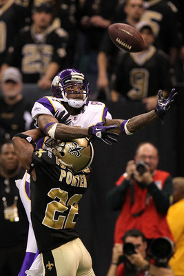 NEW ORLEANS - JANUARY 24:  Tracy Porter #22 of the New Orleans Saints commits pass interference in the end zone against Bernard Berrian #87 of the Minnesota Vikings during the NFC Championship Game at the Louisiana Superdome on January 24, 2010 in New Orl