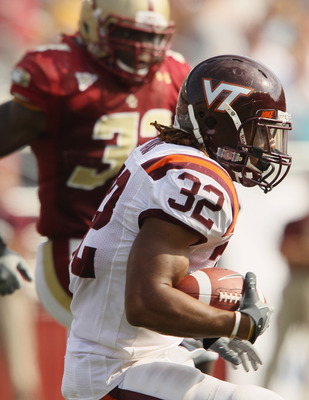 CHESTNUT HILL, MA - SEPTEMBER 25:  Darren Evans #32 of the Virginia Tech Hokies carries the ball in the fourth quarter against the Boston College Eagles on September 25, 2010 at Alumni Stadium in Chestnut Hill, Massachusetts. Virginia Tech defeated Boston