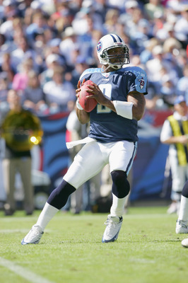 NASHVILLE, TN - OCTOBER 16:  Quarterback Steve McNair #9 of the Tennessee Titans passes the ball against the Cincinnati Bengals during the game on October 16, 2005 at the Coliseum in Nashville, Tennessee.  The Bengals won 31-23. (Photo by Andy Lyons/Getty