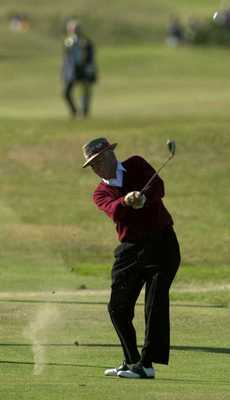 19 Jul 2000:  Sam Snead of the USA in action during the Champions Challenge round at the 2000 British Open golf Championship  at the Old Course, St Andrews, Scotland. Mandatory Credit:  Harry How/ALLSPORT