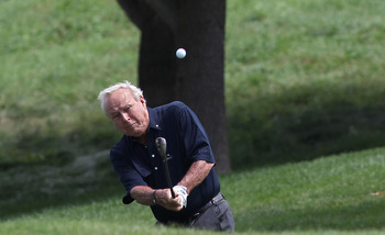BLAINE, MN - AUGUST 07:  Arnold Palmer his a shot during th Greats of Golf exhibition during the second round of the 3M Championship at TPC Twin Cities held on August 7, 2010 in Blaine, Minnesota.  (Photo by Michael Cohen/Getty Images)
