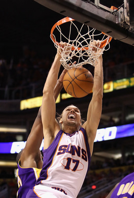 PHOENIX - MAY 25:  Louis Amundson #17 of the Phoenix Suns dunks the ball against the Los Angeles Lakers in the second quarter of Game Four of the Western Conference finals of the 2010 NBA Playoffs at US Airways Center on May 25, 2010 in Phoenix, Arizona.