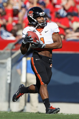 TUCSON, AZ - OCTOBER 09:  Runningback Jacquizz Rodgers #1 of the Oregon State Beavers warms up before the college football game against the Arizona Wildcats at Arizona Stadium on October 9, 2010 in Tucson, Arizona. The Beavers defeated the Wildcats 29-27.