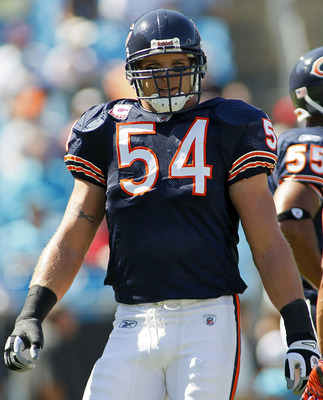 CHARLOTTE, NC - OCTOBER 10: Linebacker Brian Urlacher #54 of the Chicago Bears warms up prior to the Bears game against the Carolina Panthers at Bank of America Stadium on October 10, 2010 in Charlotte, North Carolina. (Photo by Geoff Burke/Getty Images)