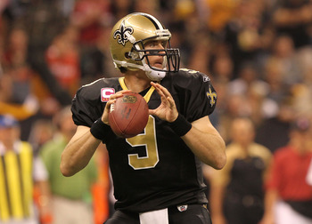 NEW ORLEANS - OCTOBER 31: Drew Brees #9 of the New Orleans Saints looks for a receiver during the game against the Pittsburgh Steelers at the Louisiana Superdome on October 31, 2010 in New Orleans, Louisiana. (Photo by Matthew Sharpe/Getty Images)