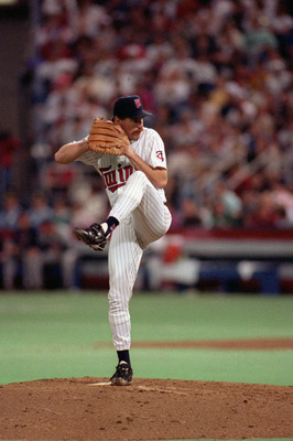 MINNEAPOLIS - OCTOBER 27:  Pitcher Jack Morris #47 of the Minnesota Twins delivers a pitch against the Atlanta Braves at the Metrodome in Minneapolis, Minneapolis, on October 27, 1991. The Twins defeated the Braves 1-0 in game 6, the final game of the 199