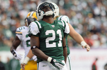 EAST RUTHERFORD, NJ - OCTOBER 31:  LaDainian Tomlinson #21 of the New York Jets reacts after dropping a pass against the Green Bay Packers on October 31, 2010 at the New Meadowlands Stadium in East Rutherford, New Jersey.  (Photo by Jim McIsaac/Getty Imag