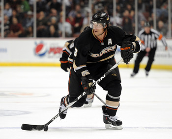 ANAHEIM, CA - OCTOBER 29:  Teemu Selanne #8 of the Anaheim Ducks breaks in against the New Jersey Devils at the Honda Center on October 29, 2010 in Anaheim, California.  (Photo by Harry How/Getty Images)