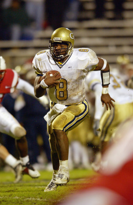 COLLEGE PARK, MD - OCTOBER 17:  Quarterback Damarius Bilbo #8 of the Georgia Tech Yellow Jackets runs the ball during the game against the University of Maryland Terrapins   on October 17, 2002 at Byrd Stadium in College Park, Maryland.  Maryland defeats
