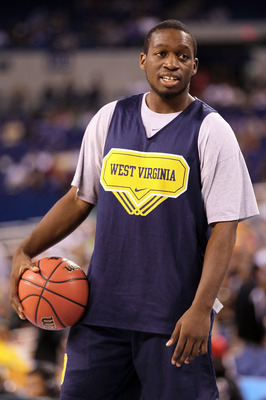 INDIANAPOLIS - APRIL 02:  Darryl Bryant #25 of the West Virginia Mountaineers looks on during practice prior to the 2010 Final Four of the NCAA Division I Men's Basketball Tournament at Lucas Oil Stadium on April 2, 2010 in Indianapolis, Indiana. Braynt i