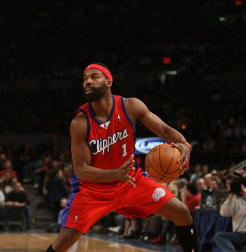 NEW YORK - DECEMBER 18: Baron Davis #1 of the Los Angeles Clippers dribbles the ball against the New York Knicks at Madison Square Garden on December 18, 2009 in New York, New York. NOTE TO USER: User expressly acknowledges and agrees that, by downloading