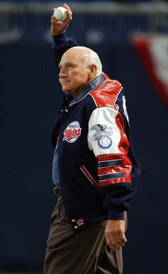 MINNEAPOLIS - OCTOBER 8:  Former Twin great Harmon Killebrew waves to the crowd prior to throwing out the first pitch before a game between the Minnesota Twins and the New York Yankees during game three of the American League Divisional Series on October