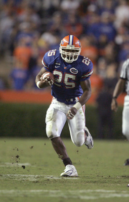 GAINESVILLE, FL - NOVEMBER 13:  Running back Skyler Thornton #25 of the Florida Gators runs upfield against the South Carolina Gamecocks during the game at Ben Hill Griffin Stadium on November 13, 2004 in Gainesville, Florida. Florida defeated South Carol