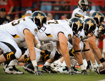LINCOLN, NE - OCTOBER 30: The Missouri Tigers line up along the goal line against the Nebraska Cornhuskers during second half action of their game at Memorial Stadium on October 30, 2010 in Lincoln, Nebraska. Nebraska Defeated Missouri 31-17. (Photo by Er