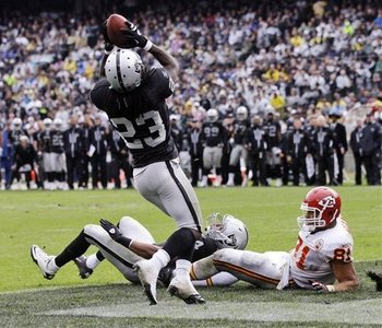 Chiefs_raiders_football_sff_74627_team_display_image