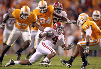 KNOXVILLE, TN - OCTOBER 23: Marquis Maze #4 of the Alabama Crimson Tide runs with the ball during the SEC game against the Tennessee Volunteers at Neyland Stadium on October 23, 2010 in Knoxville, Tennessee.  (Photo by Andy Lyons/Getty Images)