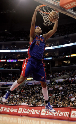 LOS ANGELES, CA - FEBRUARY 24:  Charlie Villanueva #31 of the Detroit Pistons drives to the basket for a dunk against the Los Angeles Clippers during the first half at Staples Center on February 24, 2010 in Los Angeles, California. NOTE TO USER: User expr