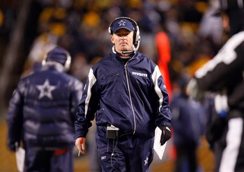 PITTSBURGH - DECEMBER 7:  Offensive Coordinator Jason Garrett of the Dallas Cowboys looks on from the sideline during their NFL game against the Pittsburgh Steelers on December 7, 2008 at Heinz Field in Pittsburgh, Pennsylvania. The Steelers defeated the