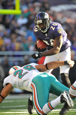 BALTIMORE, MD - NOVEMBER 7:  Ed Reed #20 of the Baltimore Ravens returns a punt against the Miami Dolphins at M&T Bank Stadium on November 7, 2010 in Baltimore, Maryland. The Ravens defeated the Dolphins 26-10. (Photo by Larry French/Getty Images)