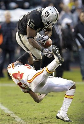 Chiefs_raiders_football_sff_74638_team_display_image
