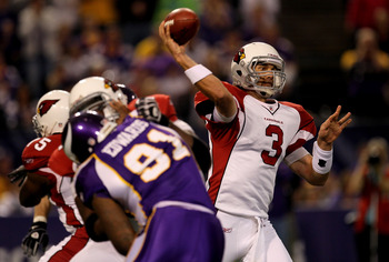 MINNEAPOLIS - NOVEMBER 7: Quarterback Derek Anderson #3 of the Arizona Cardinals throws a pass against the Minnesota Vikings at Hubert H. Humphrey Metrodome on November 7, 2010 in Minneapolis, Minnesota.  (Photo by Stephen Dunn/Getty Images)