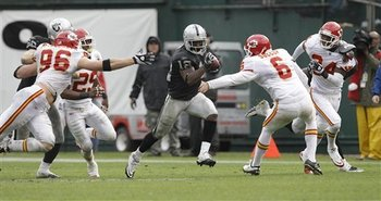 Chiefs_raiders_football_sff_74595_team_display_image