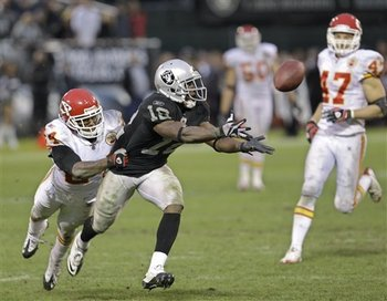 Aptopix_chiefs_raiders_football_sff_74628_team_display_image