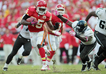 KANSAS CITY, MO - OCTOBER 24:  Jamaal Charles #25 of the Kansas City Chiefs carries the ball during the game against the Jacksonville Jaguars on October 24, 2010 at Arrowhead Stadium in Kansas City, Missouri.  (Photo by Jamie Squire/Getty Images)