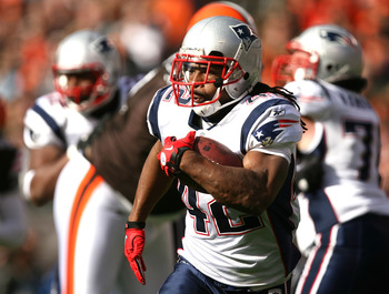 CLEVELAND - NOVEMBER 07:  Running back BenJarvus Green-Ellis #42 of the New England Patriots runs the ball against the Cleveland Browns  at Cleveland Browns Stadium on November 7, 2010 in Cleveland, Ohio.  (Photo by Matt Sullivan/Getty Images)