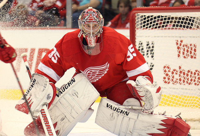 DETROIT, MI - NOVEMBER 8:  Jimmy Howard #35 of the Detroit Red Wings gets set to make a stop in a game against the Phoenix Coyotes on November 8,2010 at the Joe Louis Arena in Detroit, Michigan. (Photo by Claus Andersen/Getty Images)