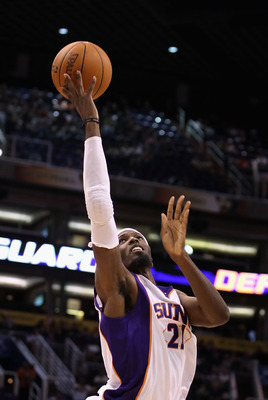 PHOENIX - OCTOBER 19:  Hakim Warrick #21 of the Phoenix Suns puts up a shot against the Golden State Warriors during the preseason NBA game at US Airways Center on October 19, 2010 in Phoenix, Arizona. NOTE TO USER: User expressly acknowledges and agrees