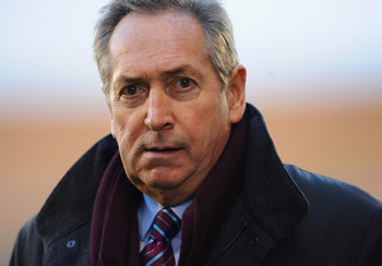 LONDON, ENGLAND - NOVEMBER 06:  Aston Villa manager Gerard Houllier looks on during the Barclays Premier League match between Fulham and Aston Villa at Craven Cottage on November 6, 2010 in London, England.  (Photo by Mike Hewitt/Getty Images)