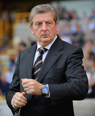 WOLVERHAMPTON, ENGLAND - SEPTEMBER 20:  Fulham manager Roy Hodgson looks on during the Barclays Premier League match between Wolverhampton Wanderers and Fulham at Molineaux on September 20, 2009 in Wolverhampton, England.  (Photo by Michael Regan/Getty Im