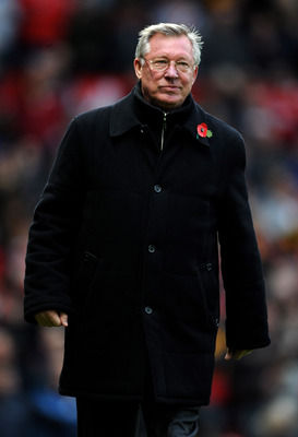 MANCHESTER, ENGLAND - NOVEMBER 06:  Manchester United Manager Sir Alex Ferguson walks to the dugout prior to the Barclays Premier League match between Manchester United and Wolverhampton Wanderers at Old Trafford on November 6, 2010 in Manchester, England