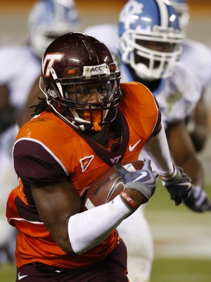 BLACKSBURG, VA - OCTOBER 29:  Running back Ryan Williams #34 of the Virginia Tech University Hokies carries the ball in the second half of the game against the North Carolina Tar Heels at Lane Stadium on October 29, 2009 in Blacksburg, Virginia.  (Photo b