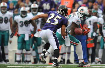 BALTIMORE, MD - NOVEMBER 7:  Brandon Marshall #19 of the Miami Dolphins can't make this catch against the Baltimore Ravens at M&T Bank Stadium on November 7, 2010 in Baltimore, Maryland. The Ravens defeated the Dolphins 26-10. (Photo by Larry French/Getty