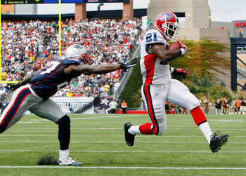 FOXBORO, MA - SEPTEMBER 26:  Kyle Anderson #27 of the New England Patriots cannot stop a touchdown run by C. J. Spiller #21 of  the Buffalo Bills at Gillette Stadium on September 26, 2010 in Foxboro, Massachusetts. (Photo by Jim Rogash/Getty Images)