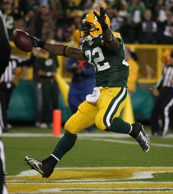 GREEN BAY, WI - NOVEMBER 07: Brandon Jackson #32 of the Green Bay Packers runs into the end zone for a touchdown against the Dallas Cowboys at Lambeau Field on November 7, 2010 in Green Bay, Wisconsin. The Packers defeated the Cowboys 45-7. (Photo by Jona