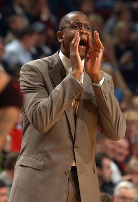 CHICAGO - NOVEMBER 7:  Head coach Bill Cartwright of the Chicago Bulls yells instructions to his team during a game against the Philadelphia 76ers November 7, 2003 at the United Center in Chicago, Illinois. The 76ers defeated the Bulls 106-85. NOTE TO USE