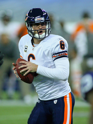 TORONTO, ON - NOVEMBER 07:  Jay Cutler # 6 of the Chicago Bears readies to pass against the Buffalo Bills  at Rogers Centre on November 7, 2010 in Toronto, Canada. Chicago won 22-19.  (Photo by Rick Stewart/Getty Images)