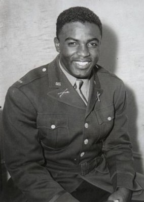 Jackie_robinson_military_display_image