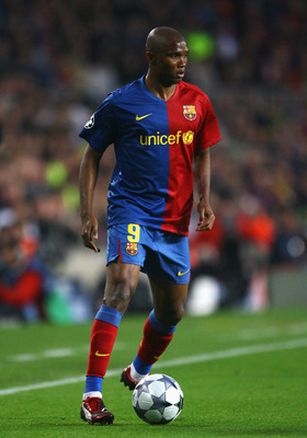 BARCELONA, SPAIN - APRIL 28: Samuel Eto'o of Barcelona in action during the UEFA Champions League Semi Final First Leg match between Barcelona and Chelsea at the Nou Camp Stadium on April 28, 2009 in Barcelona, Spain.  (Photo by Alex Livesey/Getty Images)