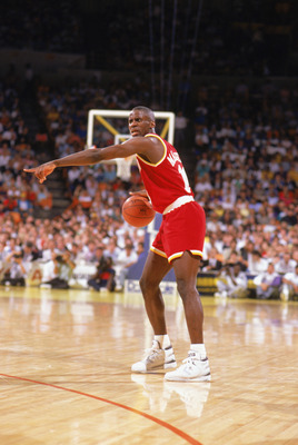 1989:  Vernon Maxwell #11 of the Houston Rockets directs on court during a game in the1989-90 season.  NOTE TO USER: User expressly acknowledges and agrees that, by downloading and/or using this Photograph, User is consenting to the terms and conditions o