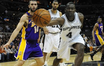 SAN ANTONIO - JANUARY 14:  Michael Finley #4 of the San Antonio Spurs during play against the Los Angeles Lakers on January 14, 2009 at AT&amp;T Center in San Antonio, Texas.  NOTE TO USER: User expressly acknowledges and agrees that, by downloading and/or us