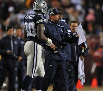 LANDOVER, MD - DECEMBER 27:  Assistant head coach Jason Garrett of the Dallas Cowboys coaches against the Washington Redskins at FedExField on December 27, 2009 in Landover, Maryland. The Cowboys defeated the Redskins 17-0. (Photo by Larry French/Getty Im