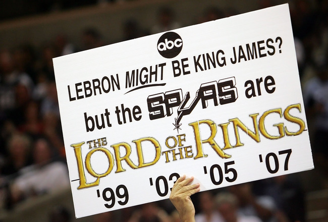 SAN ANTONIO - JUNE 10:  A San Antonio Spurs fan holds a sign during Game Two of the 2007 NBA Finals against the Cleveland Cavaliers on June 10, 2007 at the AT&T Center in San Antonio, Texas.  NOTE TO USER: User expressly acknowledges and agrees that, by d