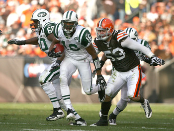 CLEVELAND - NOVEMBER 14:  Wide receiver Brad Smith #16 of the New York Jets runs by linebacker Matt Roth #53 of the Cleveland Browns  at Cleveland Browns Stadium on November 14, 2010 in Cleveland, Ohio.  (Photo by Matt Sullivan/Getty Images)